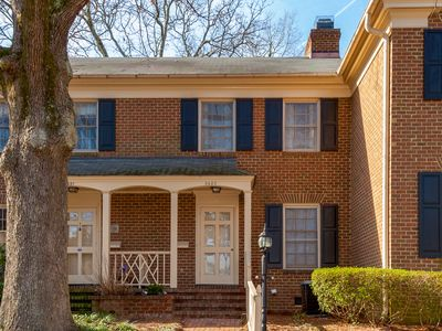 Photo for Centrally Located Mins to Downtown Raleigh -2BR-2.5 BA Sleeps 4