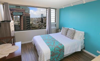 Just Remodeled Studio Condo, Modern, Clean--Awesome View! 100% Legal!
