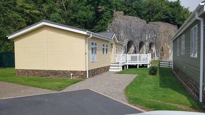 "Photo for ""Seacroft"" lodge in Heritage Park on the Pembrokeshire coast (dog friendly too!)"