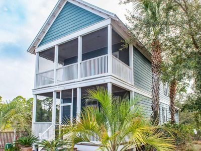Photo for Cozy, colorful cottage w/ shared hot tub and gym - close to the beach!