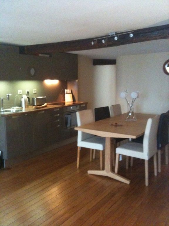 Notre Dame Apartment Rental   Dining For 6 Persons Or 3 Couples