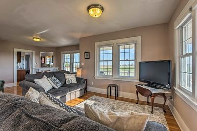 Inside offers 4 bedrooms, 2 bathrooms, and sleeping for 9!