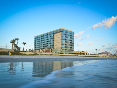 Photo for Oceanside Inn - Ocean-View Hotel Room - King Bed - Room 622