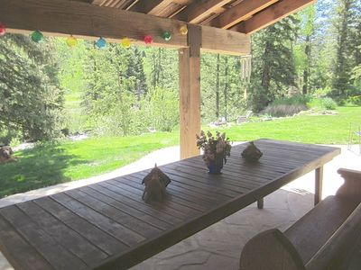 Photo for Riverfront Luxury w/Stunning Mountain Views.  Peaceful Setting 20 mins to C'dale