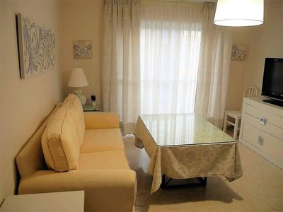Photo for Rota apartment in Córdoba with WiFi, integrated air conditioning, balcony & lift.