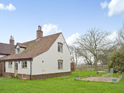 Photo for 2 bedroom accommodation in Toft Monks, near Beccles