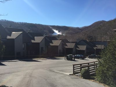 Beautiful Mountain Condo - isolated, secluded and just 8 minutes from downtown !