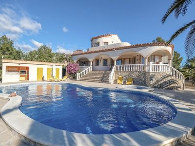 Photo for Stunning private villa for 10 people with WIFI, private pool, hot tub, TV, balcony and parking