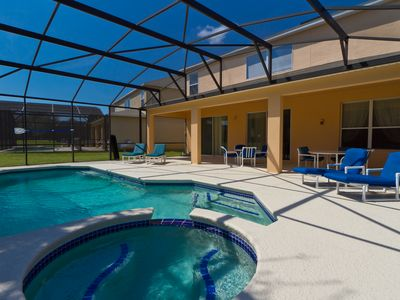 Beautiful and Spacious House only 3 Miles From Disney WiFi Pool/Spa KeylessEntry