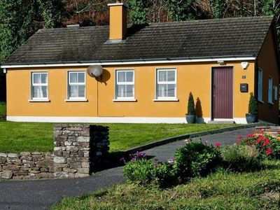 Photo for holiday home, Inch  in Kerry - 4 persons, 2 bedrooms
