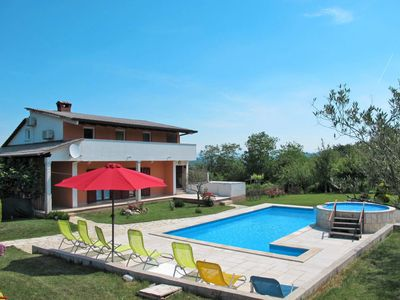 Photo for Vacation home Nevenka in Motovun - 10 persons, 4 bedrooms