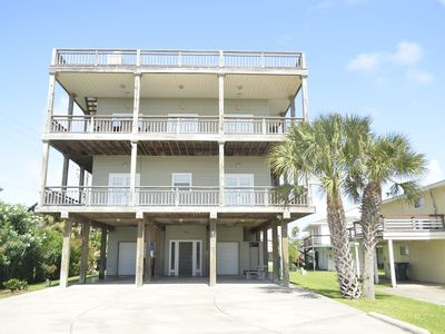 Photo for Close to the beach. Spacious & bright with gorgeous views from 3rd decks.