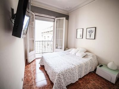 Photo for Apartment 314 m from the center of Barcelona with Internet, Air conditioning, Lift, Washing machine (410410)