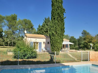 Photo for Holiday home with a large garden and enclosed private pool in Trans-en-Provence