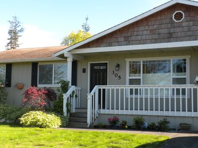 Photo for Mid-Town Coupeville 3 Bed/3/Bath Home