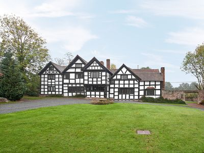 Photo for 6 bedroom accommodation in Dilwyn, near Hereford