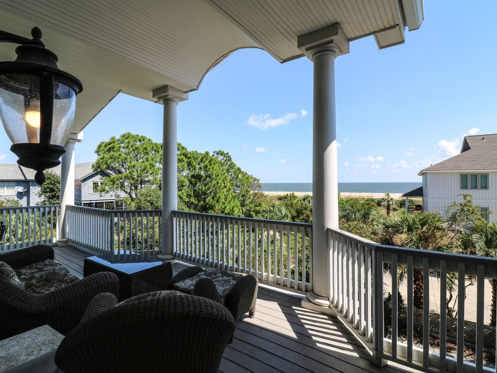 Stay Awhile With Oceanfront Cottage Rentals Vrbo