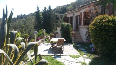 Photo for Single storey villa in the village of Ramatuelle 4 to 6 people, with garden