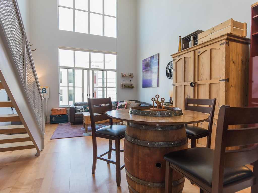 Santana row chic cozy 2 bedroom loft silicon valley san for Master bedroom for rent san jose