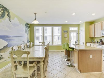 Photo for Beautiful Modern Townhome! Bayside (67th), Pools, Wi-Fi, Bay Beach, Gym, Pier