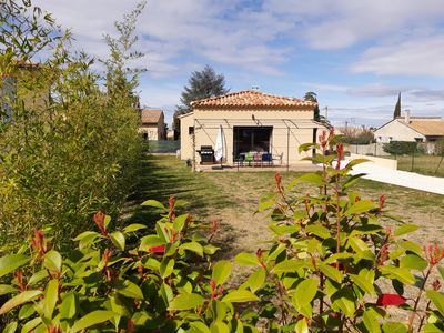 Photo for Comfortable villa overlooking the Luberon