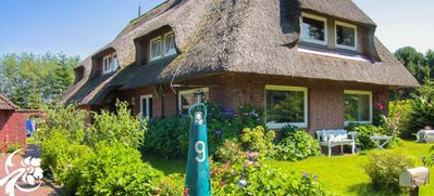 Photo for Single-room-apartment in thatched roof house in Nebel on the island Amrum - WLAN