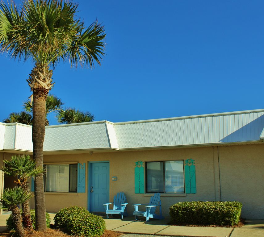 Beach House Rental Crystal Beach: Capri By The Gulf 121, Recently Updated! Complimentary