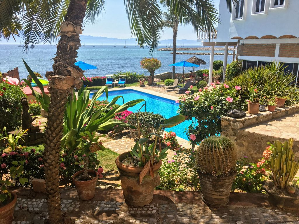 Jardin del mar beachfront estate la cruz de huanacaxtle for Apart hotel jardin del mar la serena