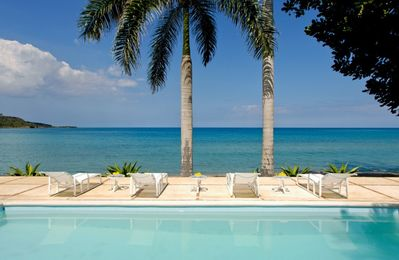 SERENITY ON THE BEACH JAMAICA - Luxury 4 Bed Beachfront Villa Montego Bay
