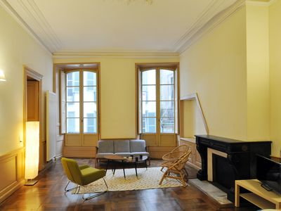 Photo for Spacious apartment of 100 sqm in the old Hotel The Royal Admiralty