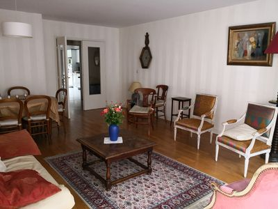 Photo for Charming apartment with balconies in the heart of the 6th district