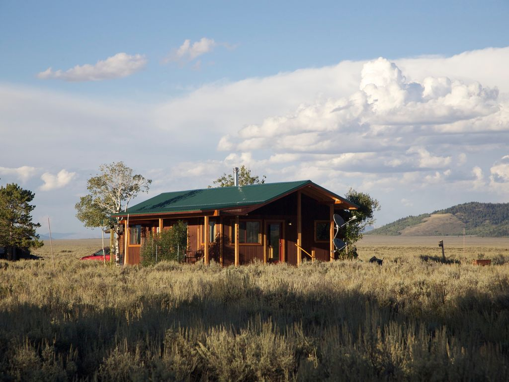 Cabin In Teton National Park Close To Yellowstone With Views Of The Tetons.