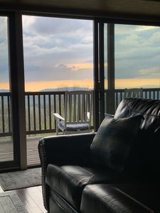 Photo for Great location & gorgeous Mt views! Book now for your get away.