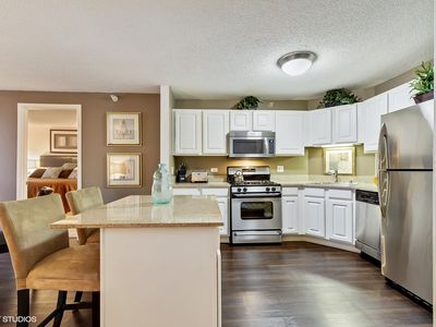 Photo for Magnificent Mile 2 bedroom high-rise living