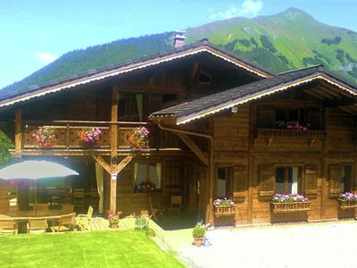 Photo for Luxieuze Chalet near the center of Morzine with sauna and hot tub