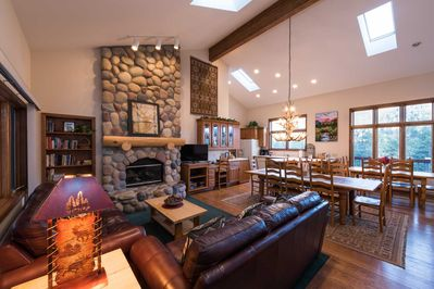 Large Great Room with Two Dining Tables and Gas Fireplace - Windows!