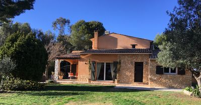 Photo for Beautiful Provencal villa 15 km from Nice, quiet and green setting, swimming pool