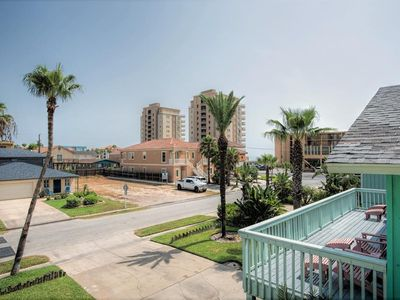Photo for Beachside Landing II 2: 2 bdrm FAMILY condo with pool & close to the beach!