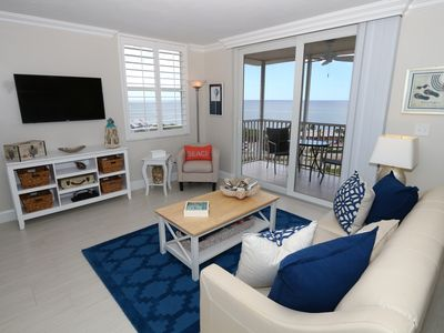 Photo for Beautifully appointed and remodeled Studio on the Beach with Gulf Views!