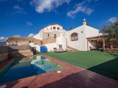 Photo for Catalunya Casas: Countryside villa for 13 near Spanish vineyards, only 30 min from Sitges beach