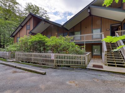 Photo for Sugar Mountain condo overlooking ski slope with private balcony