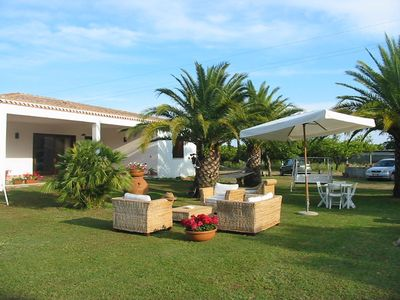 Photo for Villa 8 places on the sea with garden and pool: sun and lots of relaxation ...