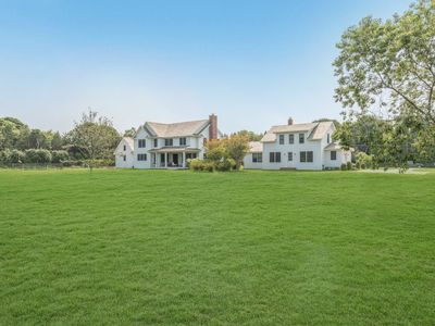 Photo for Stunning new construction overlooking Wolfer Stables
