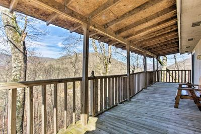 Retreat to the peaceful smoky mountains to this 2-BR, 2-BA vacation rental.