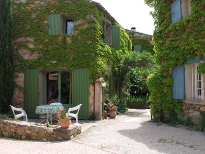 Photo for Lovely small holiday home situated 2 km south of Ockerdorf Roussillon