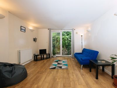 Photo for Homey, Bright 2Bed Apartment near Victoria Park