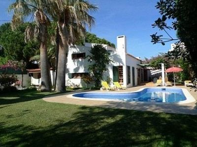 Photo for House with big garden and private pool. 400mt from the beach.