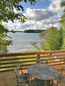 Photo for Spacious 5 bed / 4 bath / 2 Kitchens w/ 100'  lake frontage on Duck Lake!