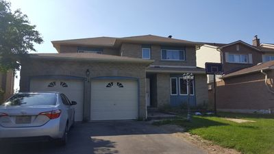 Photo for 6 Bedrooms Home in Whitby near Hwy 401 & 4 parking