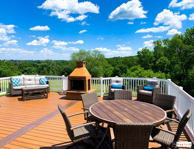 Photo for 5 bed, 3500 sq/ft home with stunning view overlooking the Driftless region